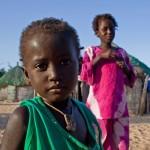 Børnene må kigge langt efter bilerne efter Dakar Rallyet er flyttet til Sydamerika, sammen med levebrødet for hundredvis af afrikanere.